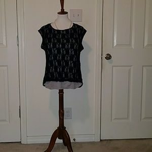 Black and gray lacy shell top